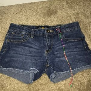 a pair of shorts by lucky brand size 10
